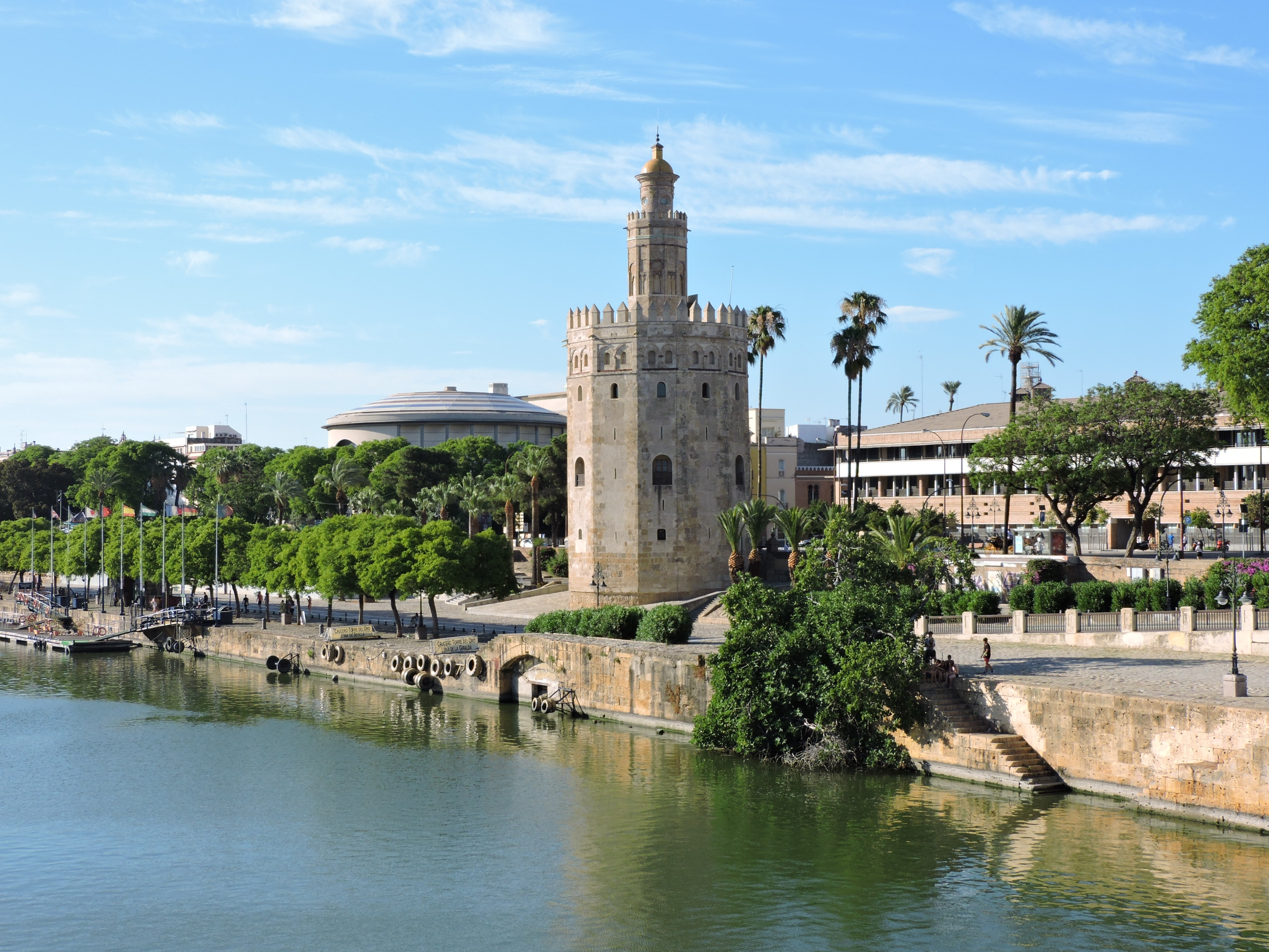 Postcards from Sevilla - Traveling with Aga